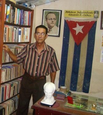 Eddy Espinosa Francos se retiró de la huelga por presentar serios padecimientos clínicos.