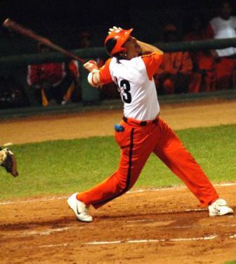 Ariel Pestano, el mejor receptor de la pelota cubana de Todos los Tiempos, será el gran ausente en el Clásico.