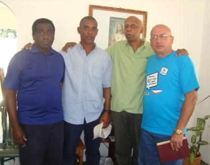 Ferrer Iván Hernández, Angel Moya, Guillermo Fariñas y Félix Navarro son un fehaciente ejemplo de ex presos políticos cubanos.