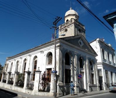 Quizás la indiferencia con los Bautistas de la Convención se deba a que ellos no sirven a los intereses, ni al juego político-religioso, del Concejo de Iglesias de Cuba (CIC).