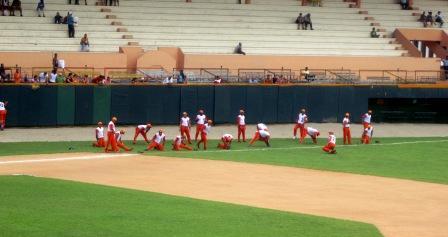 Bebo Los naranjas durante un entrenamiento en el estadio Sandino.JPG