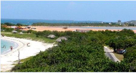 Un claro ejemplo de desecación es la laguna del Mangón en Varadero, que era sitio de paso de aves migratorias