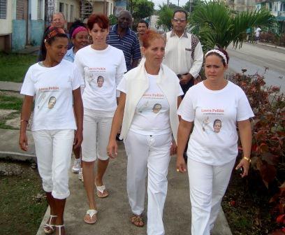 A los enemigos de la libertad les molesta que Damas de Blanco y opositores circulen por las calles de Santa Clara.